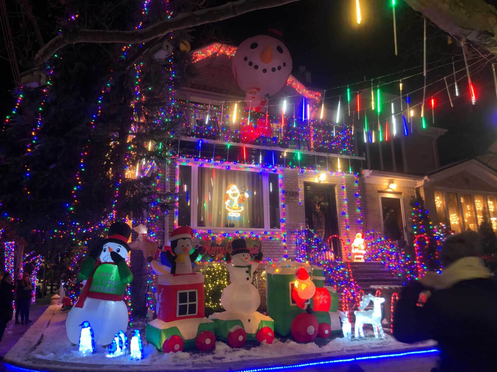 Dyker-Heights-Christmas-lights-in-Brooklyn