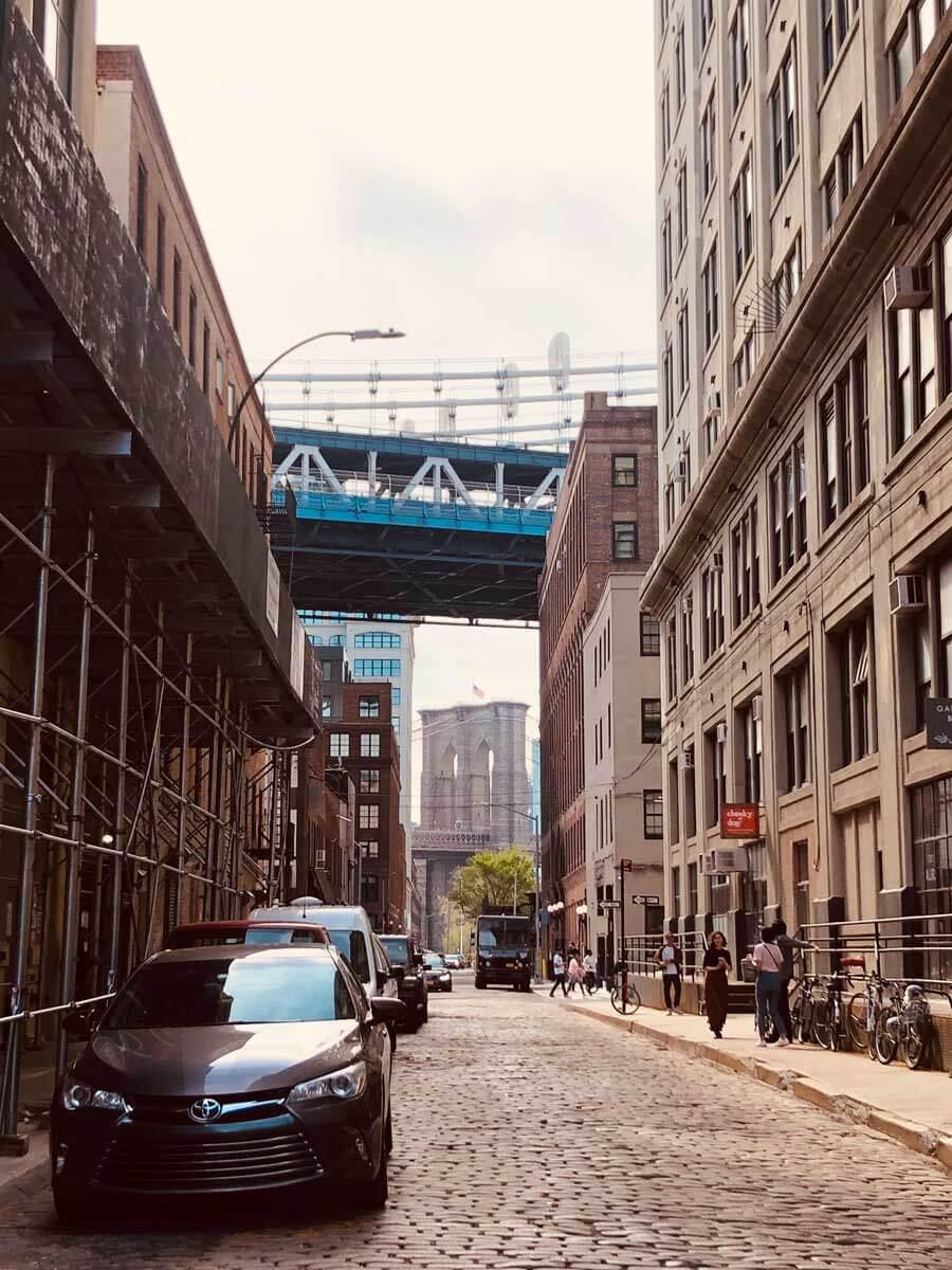 view-of-Brooklyn-Bridge-in-DUMBO-Brooklyn