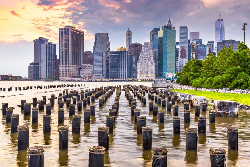 Brooklyn Bridge Park view of Manhattan