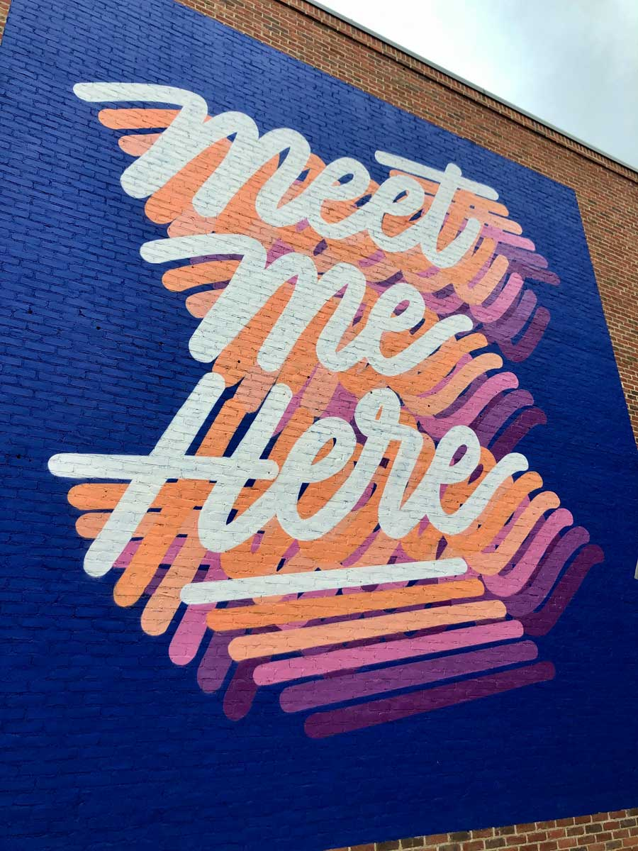 meet-me-here-mural-at-Toms-in-Williamsburg-Brooklyn
