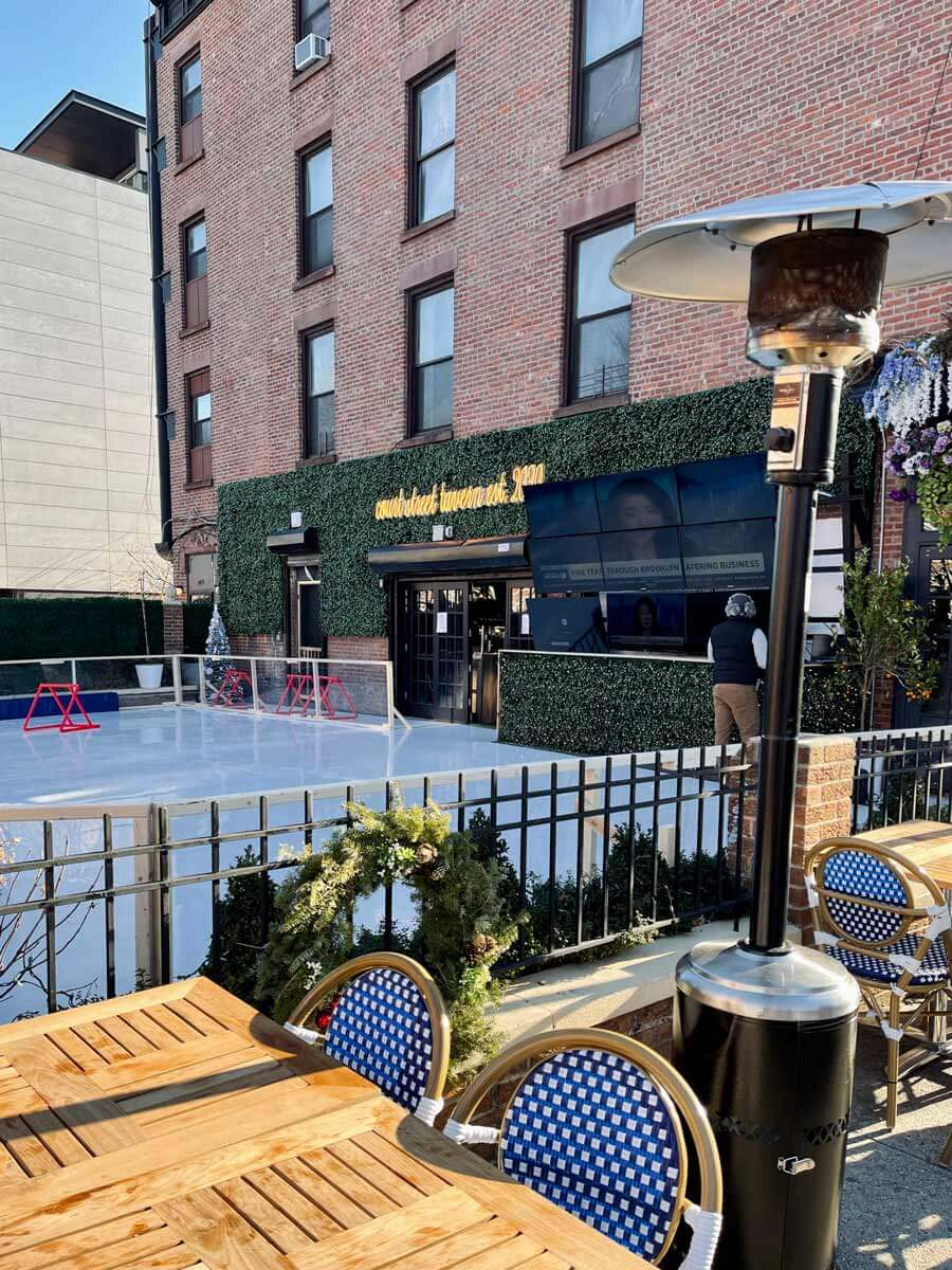 Court-Street-Tavern-Ice-Rink-in-Brooklyn-Carroll-Gardens