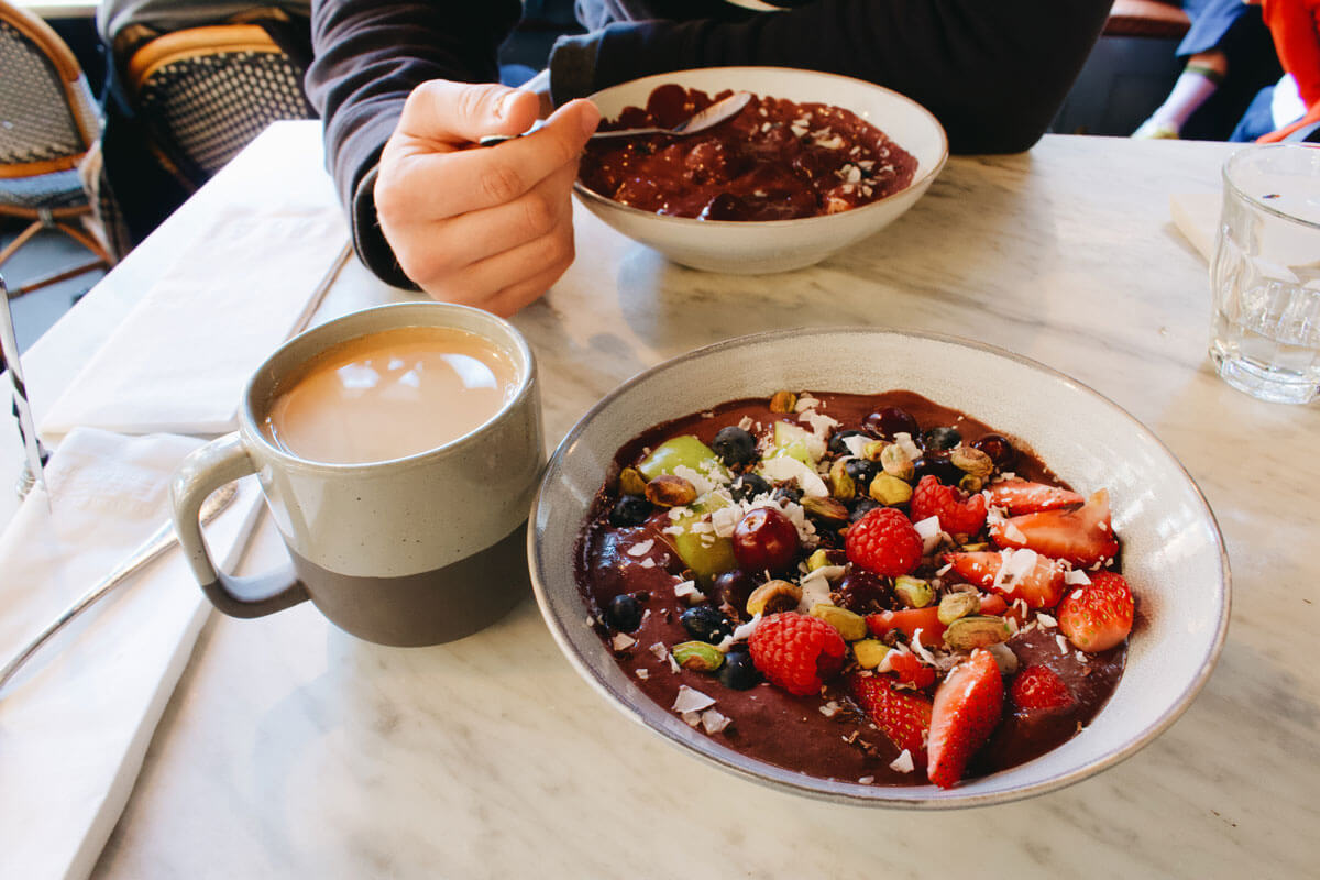 acai-bowl-at-Butler-Bake-Shop-brunch-in-DUMBO