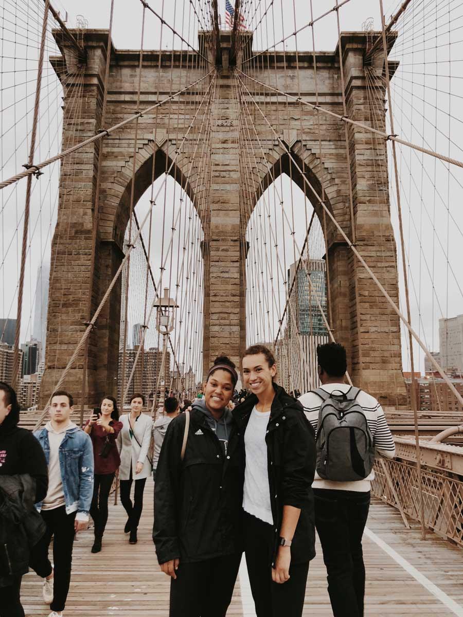 Katies-friends-on-the-Brooklyn-Bridge-getting-a-photo-by-katie-hinkle