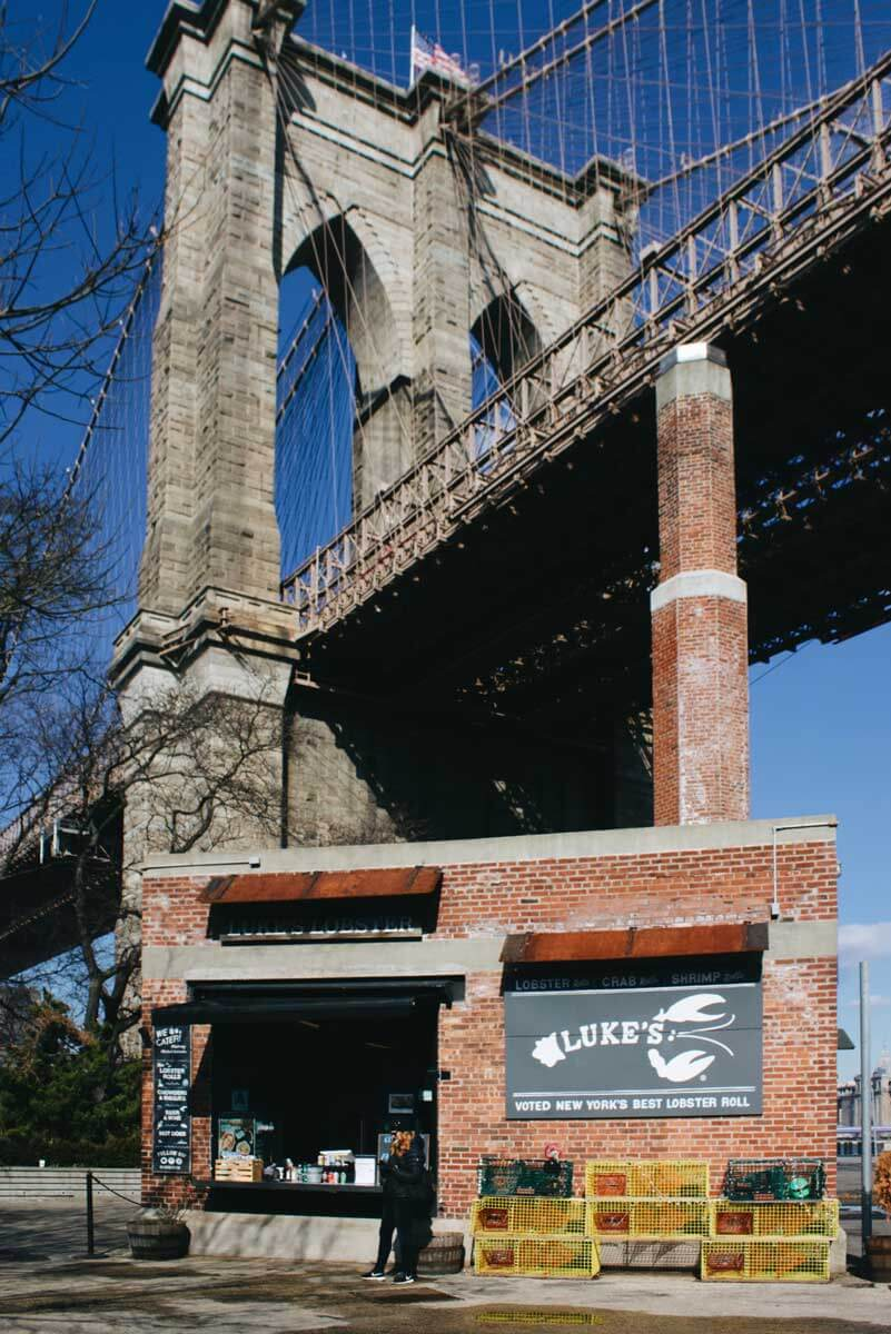 Lukes-Lobster-under-Brooklyn-Bridge-in-DUMBO