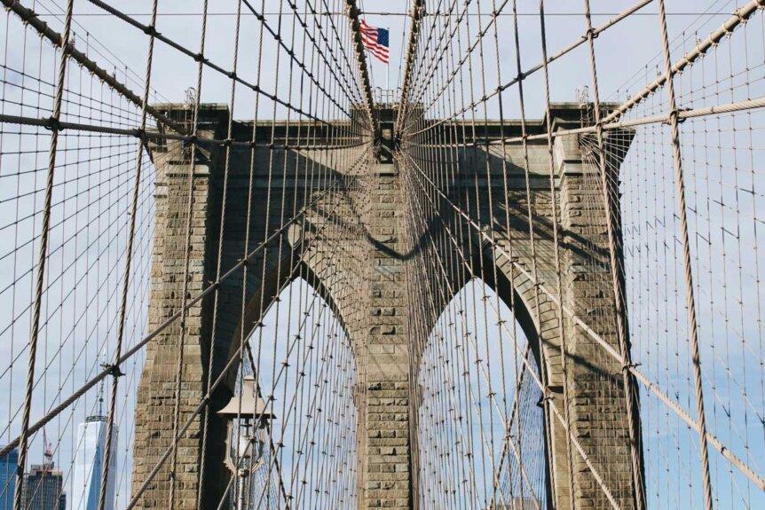 walking-the-brooklyn-bridge-by-katie-hinkle