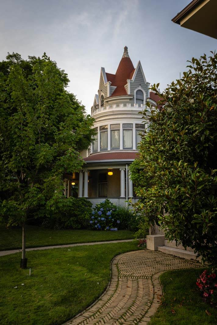 Gorgeous mansion in Ditmas Park in Brooklyn