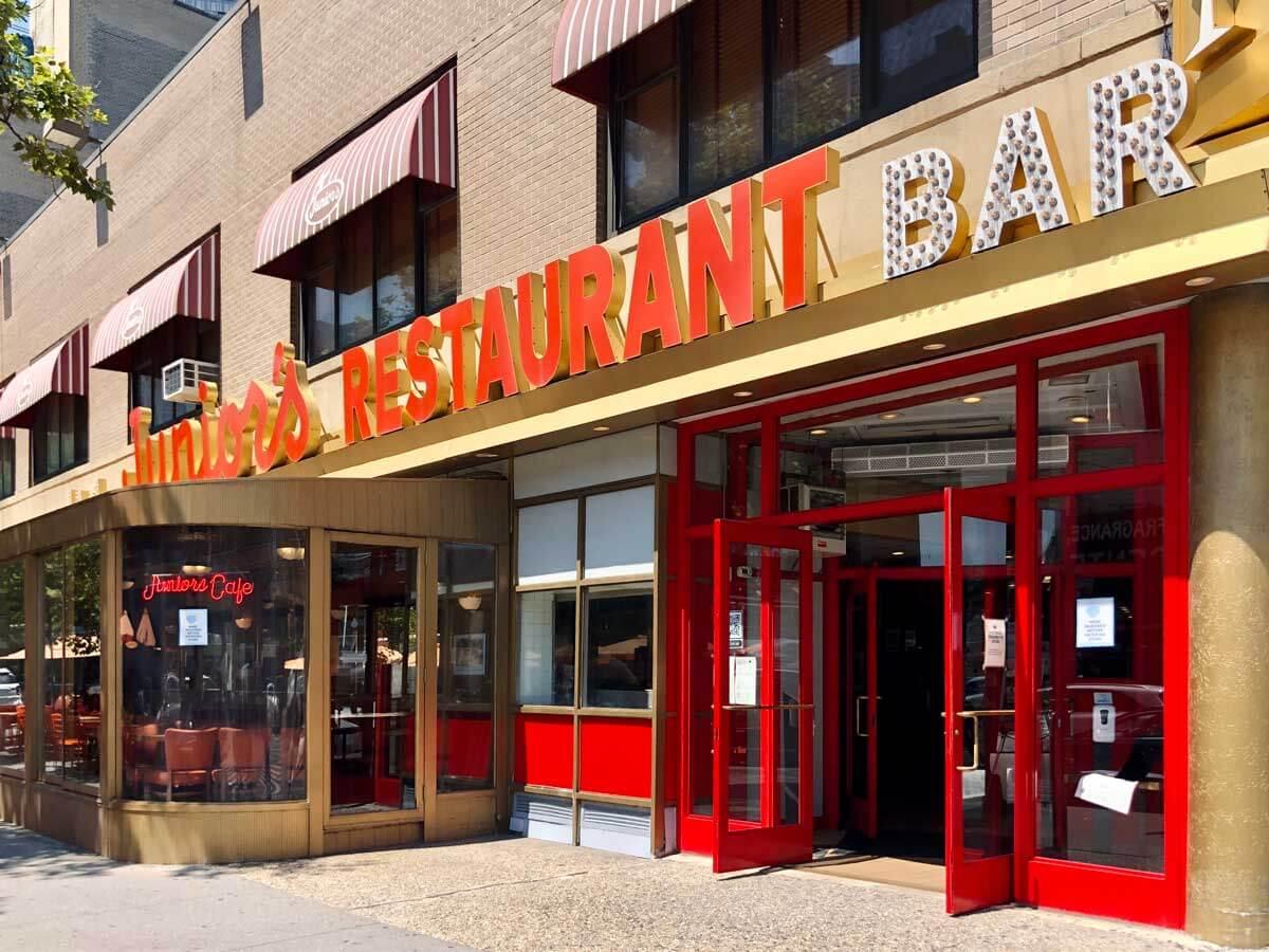 Juniors-Restaurant-in-Downtown-Brooklyn