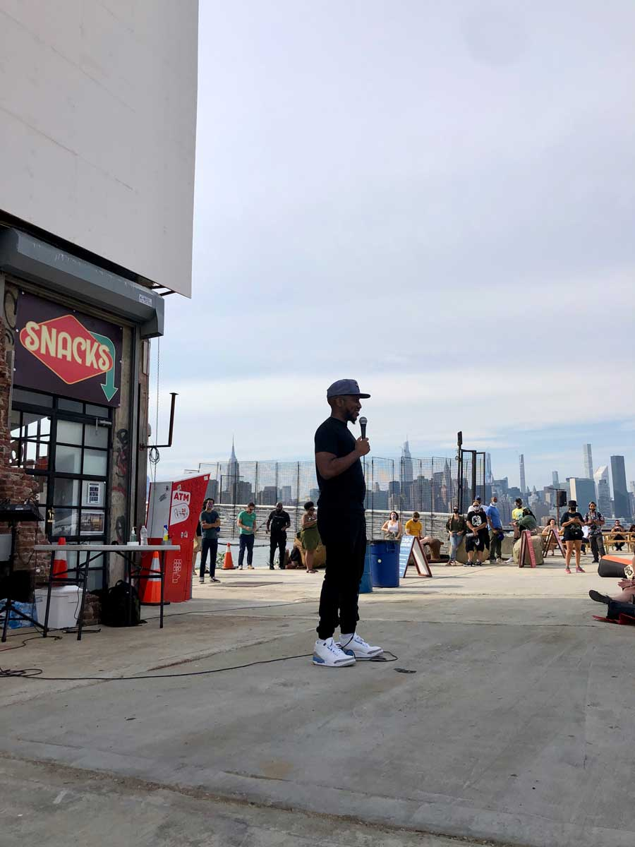 chris-redd-performing-at-greepoint-terminal-market-at-the-outdoor-brooklyn-comedy-club