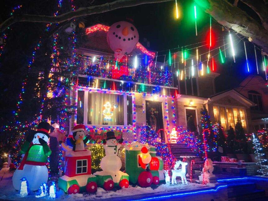 Dyker-Heights-holiday-lights-in-Brooklyn