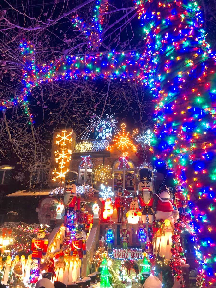 Dyker-Heights-lights-at-Lucy-Spata-House-in-Brooklyn-at-Christmas-time