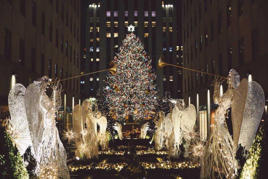 Rockefeller-Christmas-tree-in-new-york-