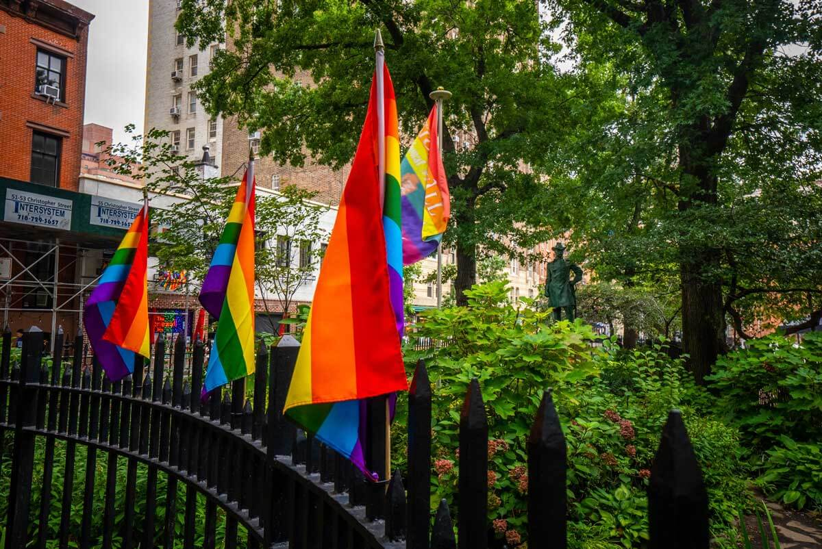 Stonewall-Inn-and-pride-flags-in-NYC