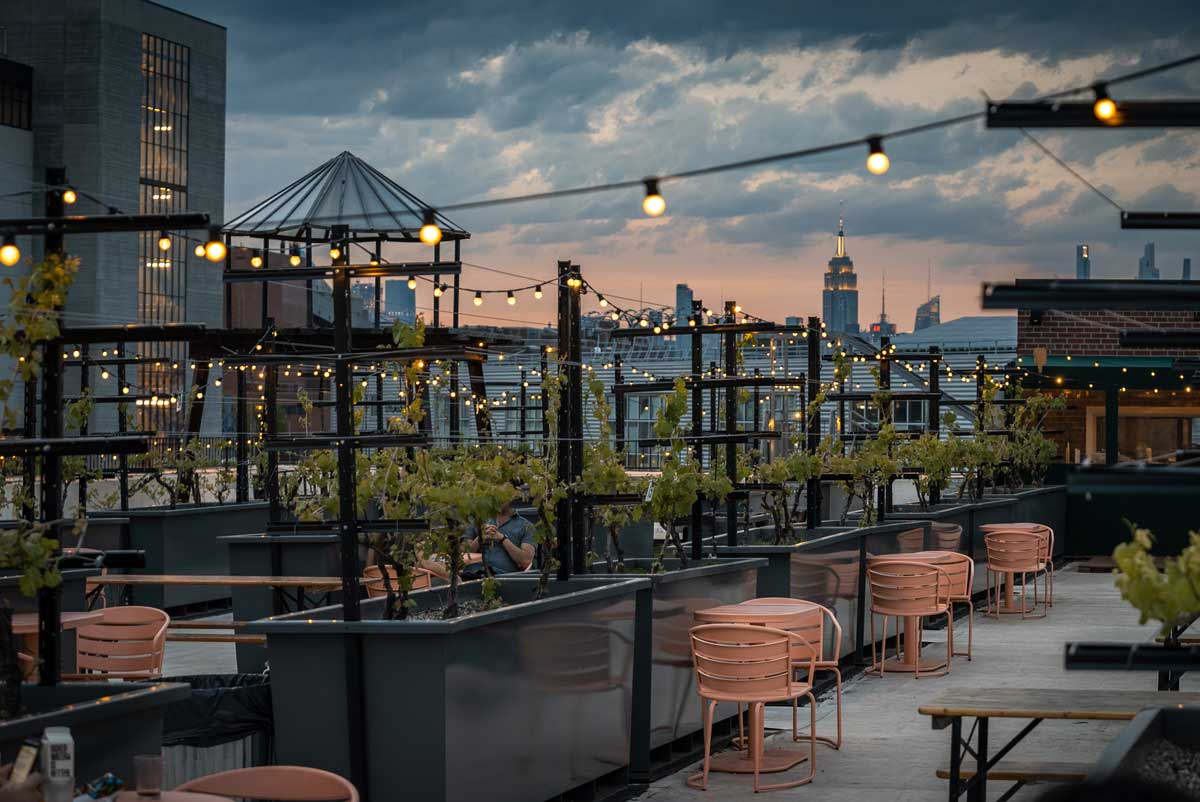 sunset-and-skyline-view-from-rooftop-reds-in-navy-yard-brooklyn-rooftop-bar