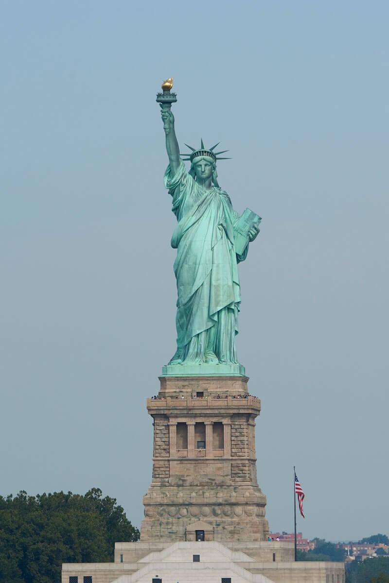 the-statue-of-liberty-new-york-city-PADEEA6