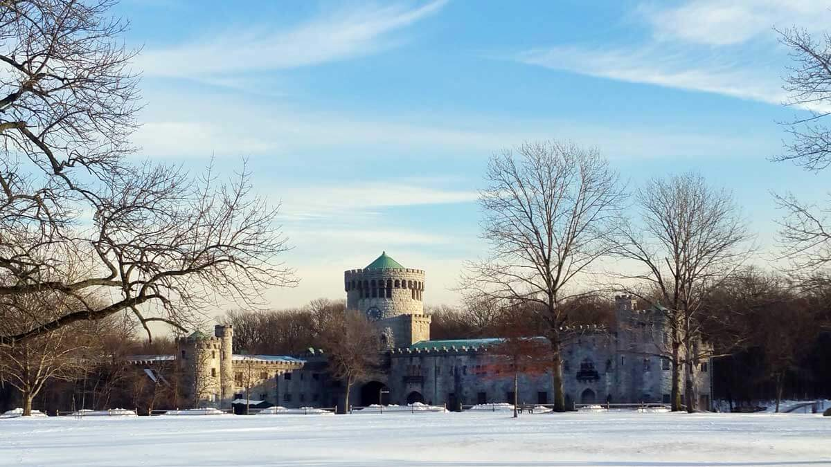 Castle-Gould-in-Snow