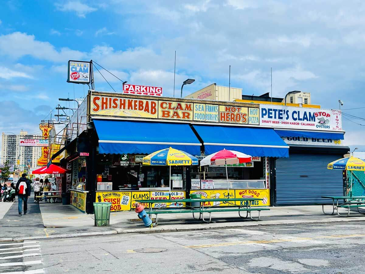 Clam-Bar-filming-scene-in-Brooklyn-at-Coney-Island-for-Requiem-for-a-Dream