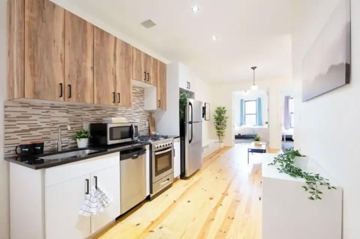 bright-renovated-apartment-in-Bushwick