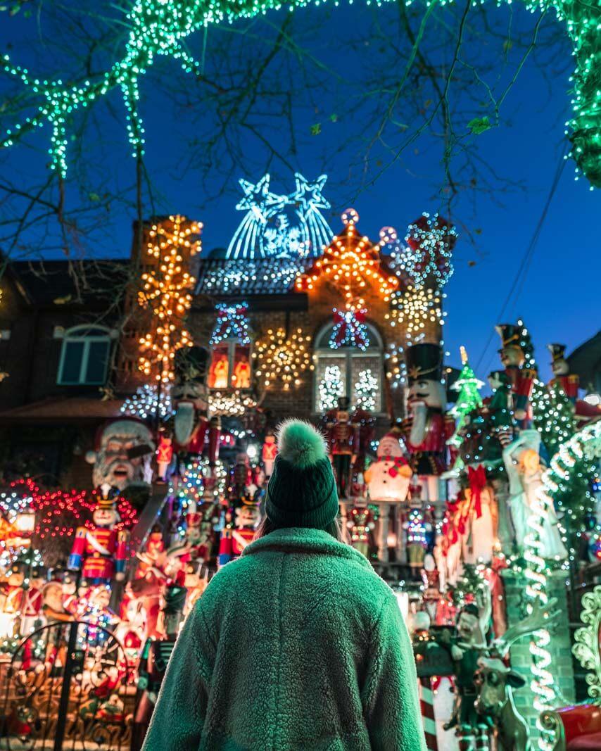 dyker heights christmas lights display in Brooklyn