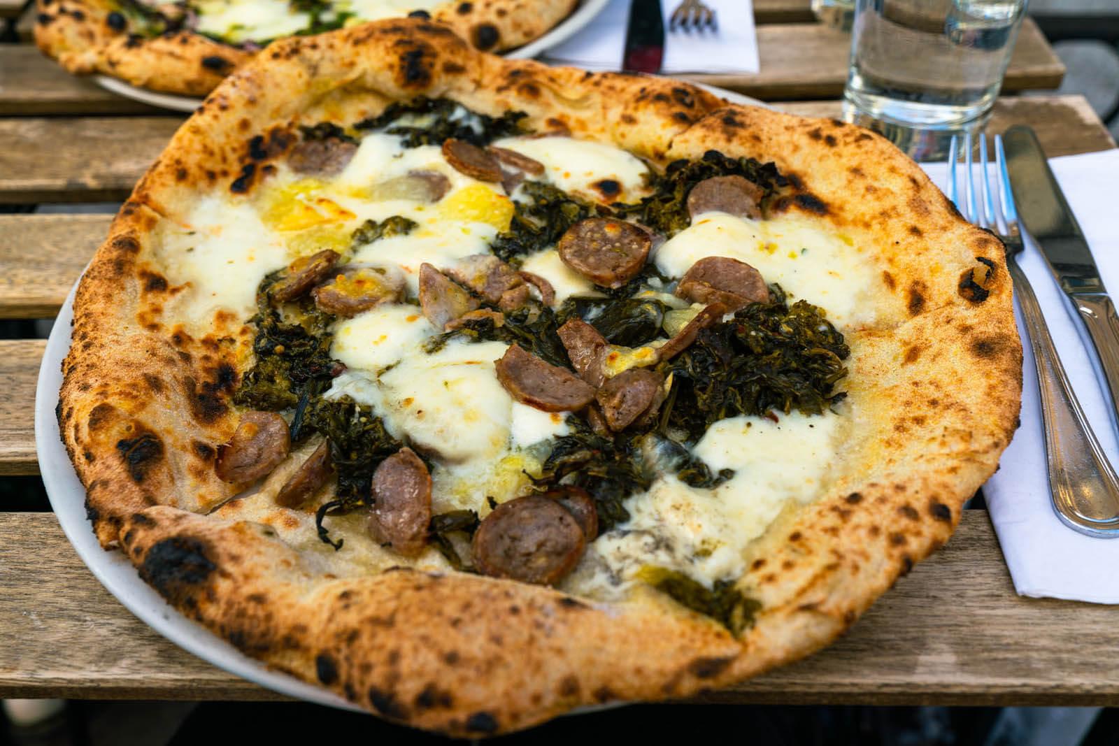 Dellaroccos Pizza in Brooklyn Heights
