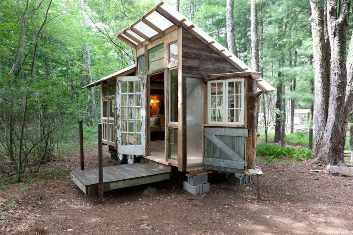 Catskills-farm-tiny-home-in-NY