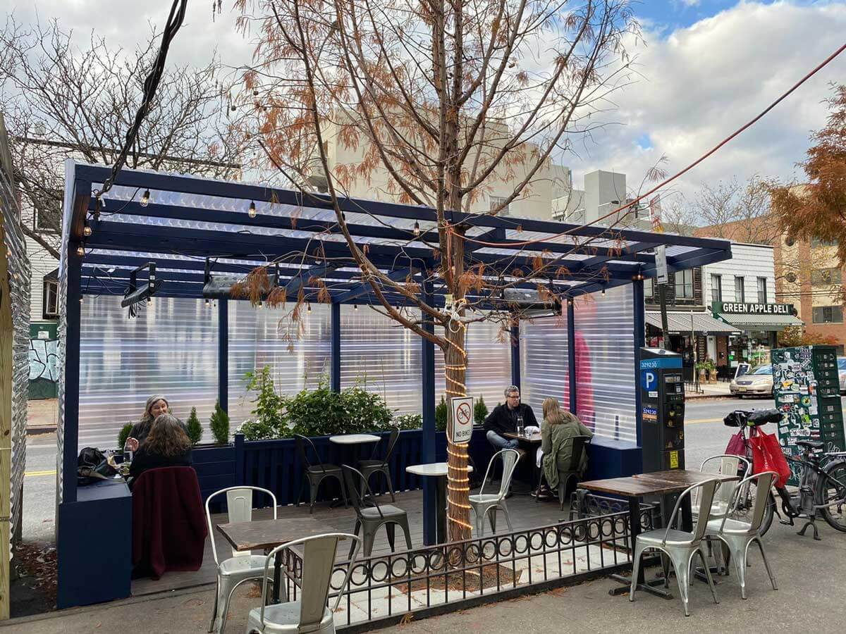 Concord-Hill-outdoor-seating-by-Concord-Hill-in-Williamsburg-brooklyn