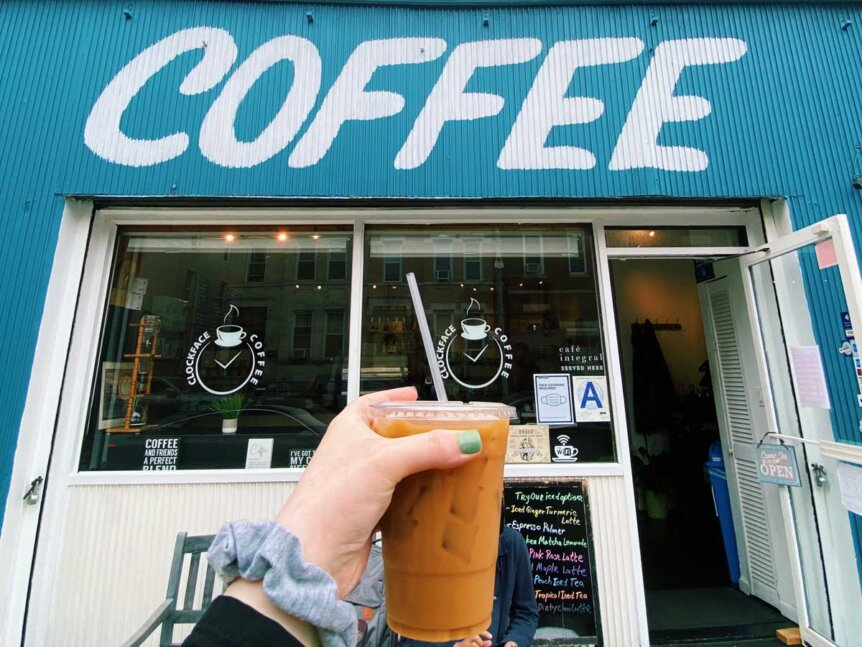 Clockface-Coffee-Shop-in-Bay-Ridge-by-Quoffee-Quest
