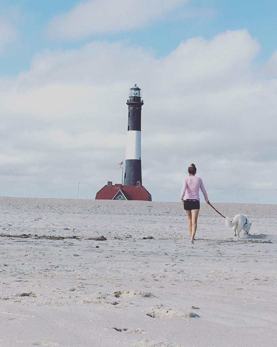 fire-island-lighthouse-and-beach-in-long-island-new-york