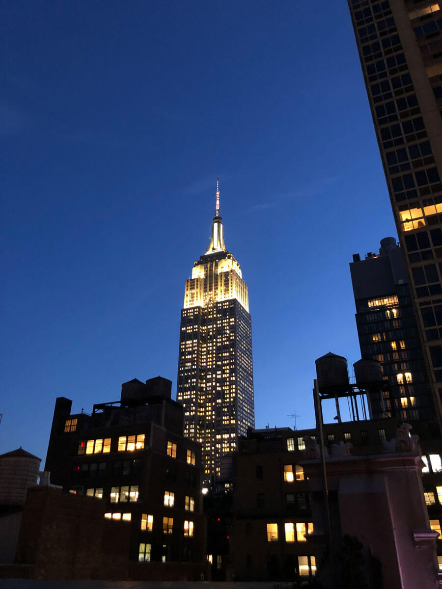 view-of-empire-state-building-from-refinery-rooftop-bar-in-NYC