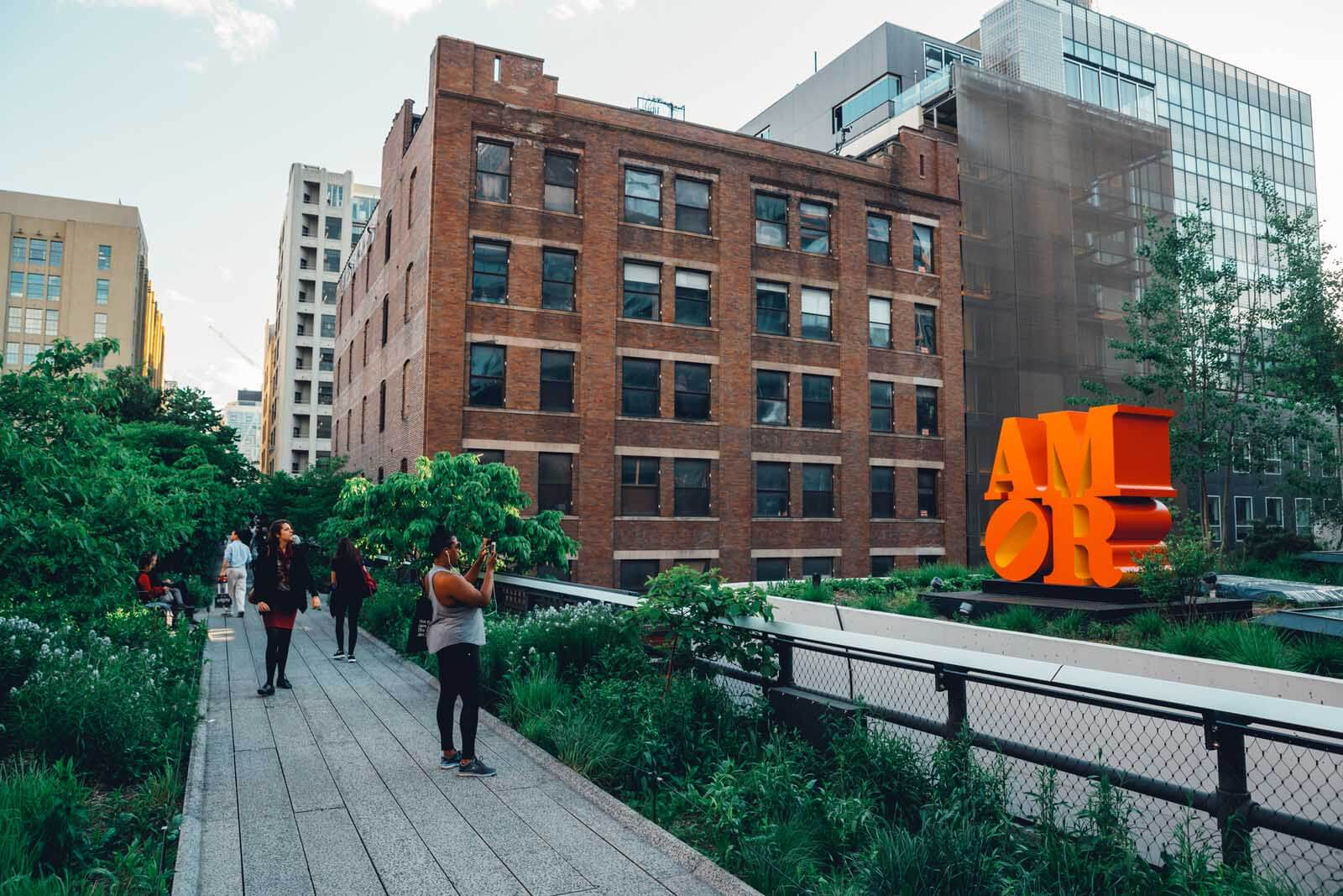 Highline in Chelsea Manhattan someone taking a Photo of Amor