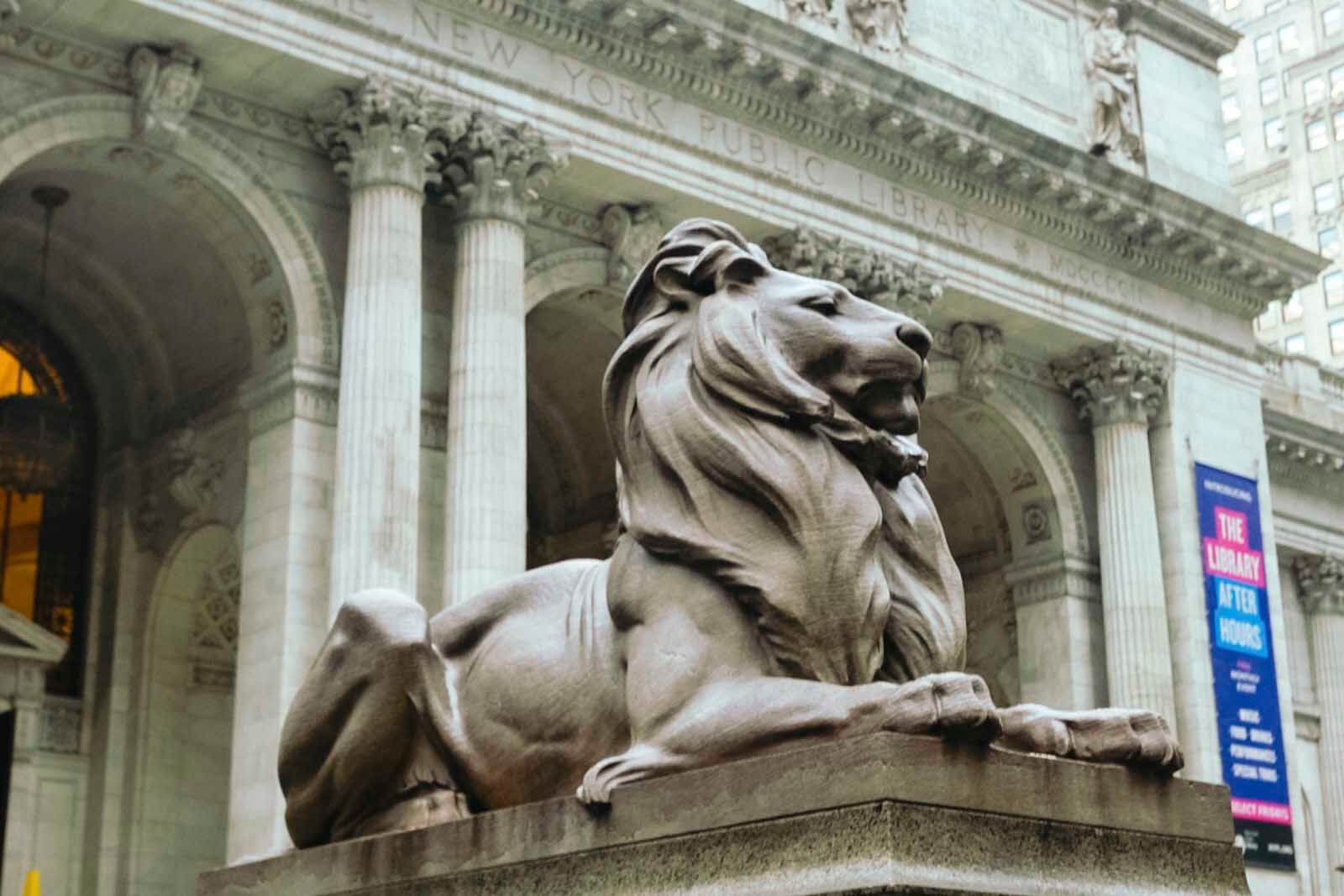 famous lion statues outside New York Public Library in NYC where Ghostbusters was filmed