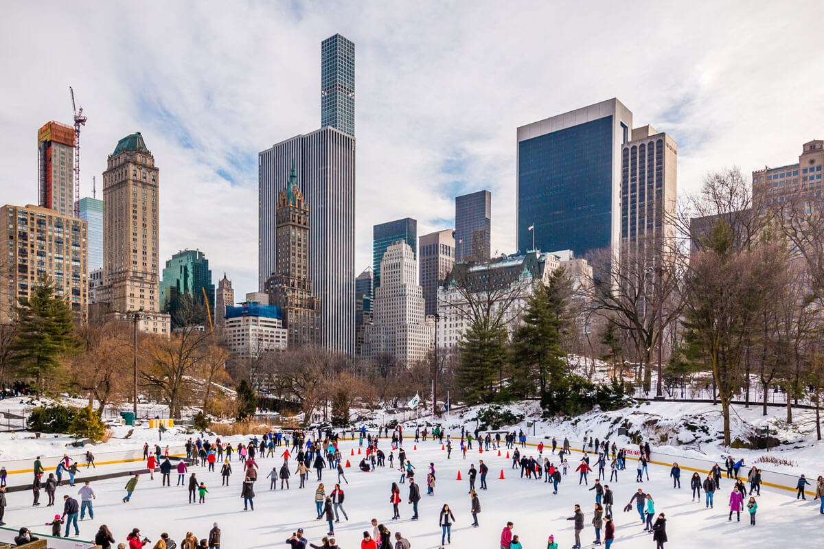 Wollman-Ice-Rink-in-Central-Park-in-winter-NYC